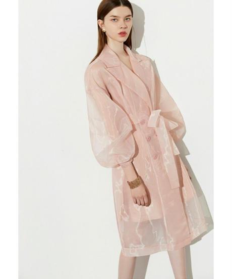 ピンクオーガンジ透け素材で透明感トレンチコート