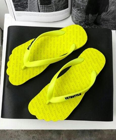 ロゴビーチサンダル足型がおしゃれ2色