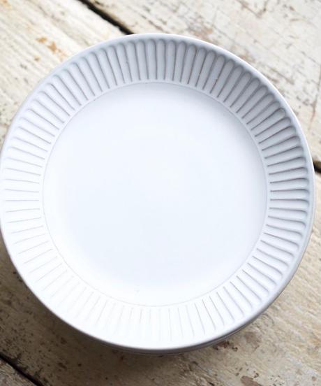 藤山窯 / 6寸反皿 - ミルク - 鎬
