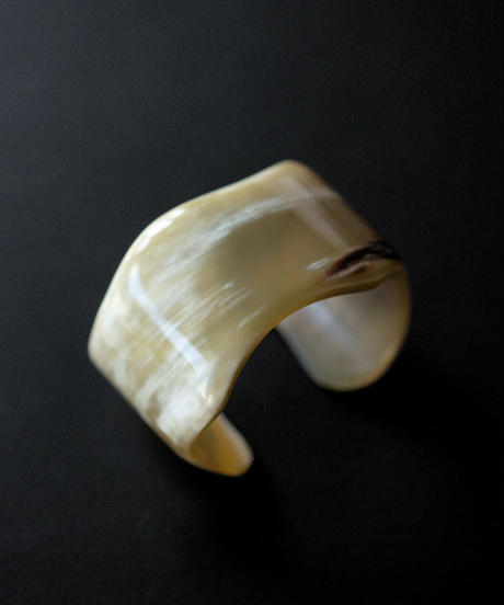 horn bangle 04 - wave - small size