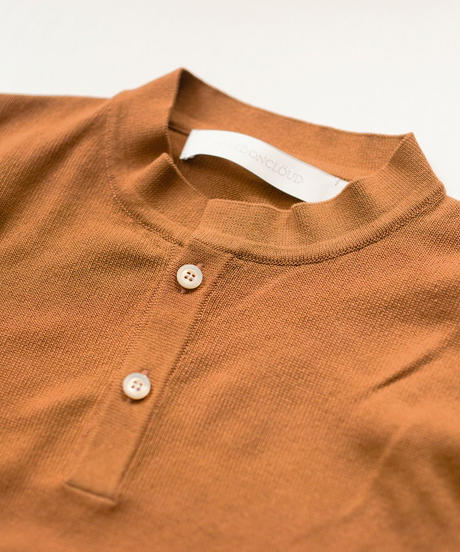 ASEEDONCLOUD /  Knit collerless polo - BROWN