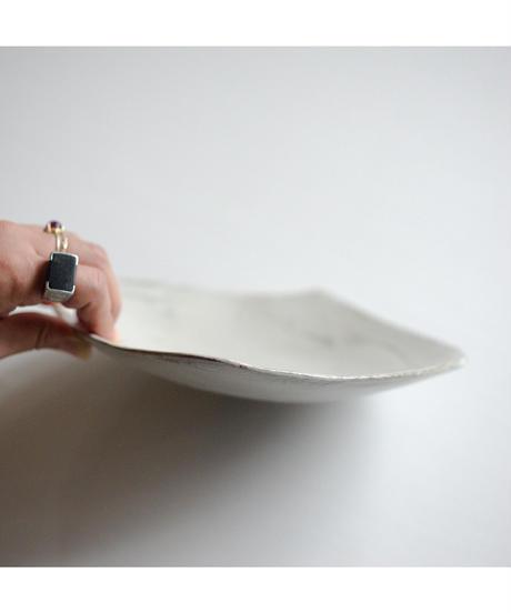 馬場勝文 / 変形角皿 - 刷毛目