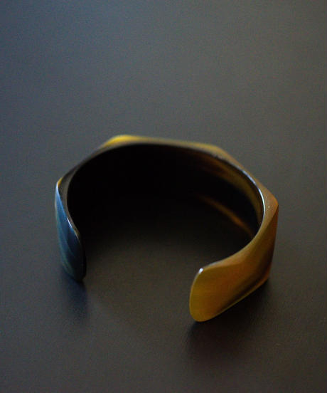 追加 / horn bangle 05 - Triangle - medium size