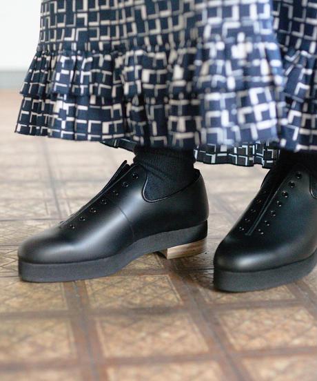 ISHMM /  7HOLE SHOES - BLACK - Lady's