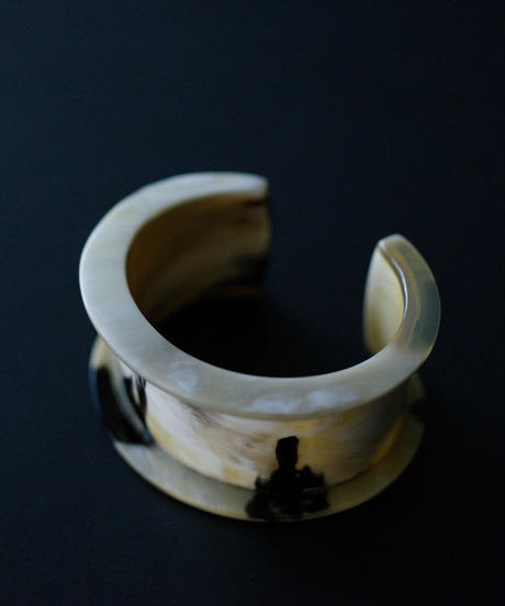 horn bangle 02 - cow  pattern - small size