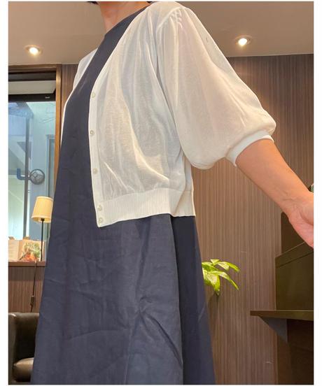 ボリューム袖が大人可愛い♡シアーニット