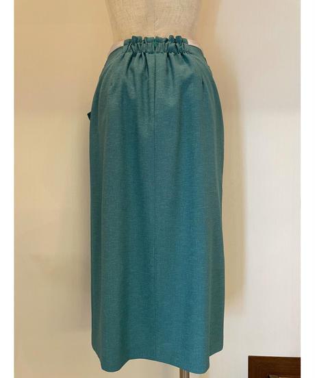 ウエストマークが大人可愛いスカート