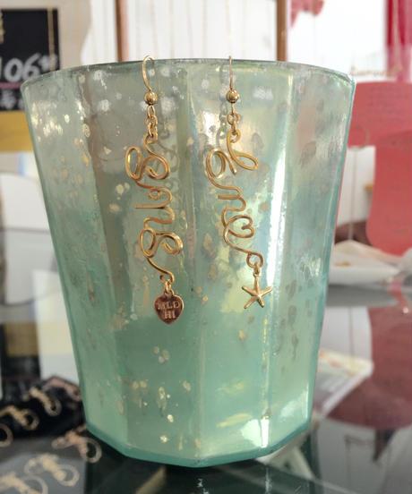 カスタムネーム縦ピアス ($148)