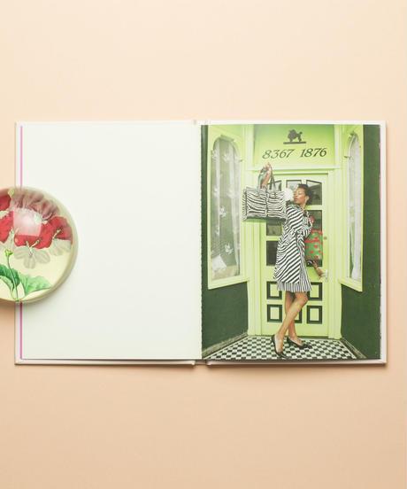 【 Poodle Parlour: One Picture Book #47 】Nancy Honey