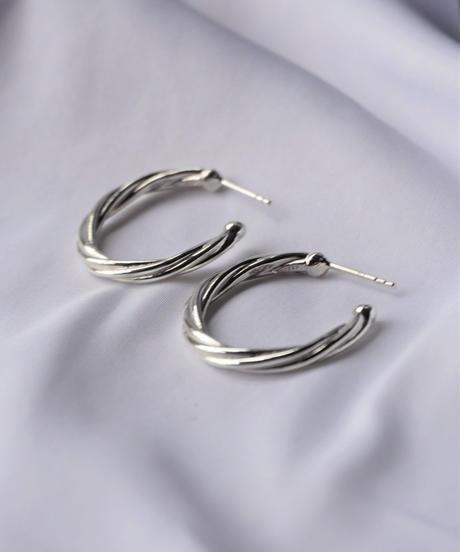 twist hoop pierce (MA-P-01)