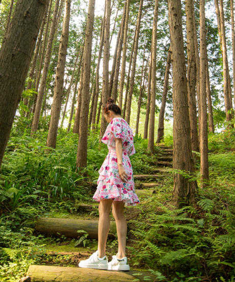 バタフライフリル ミドル丈ワンピース(秘密の花園/ホワイト・ブラック)