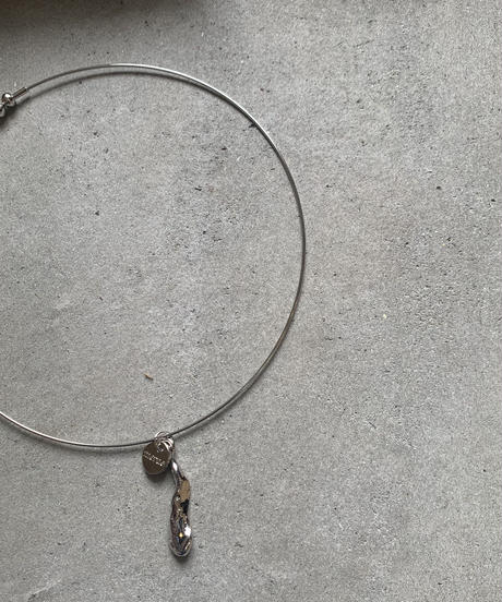 NUANCE OBJECT WIRE NECKLACE