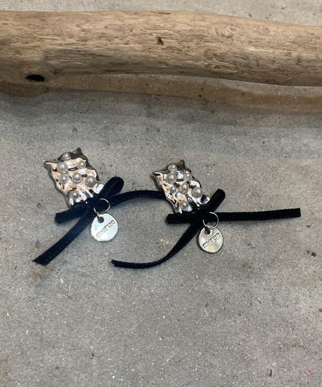 METAL PEARL AND VELOR RIBBON SILVER