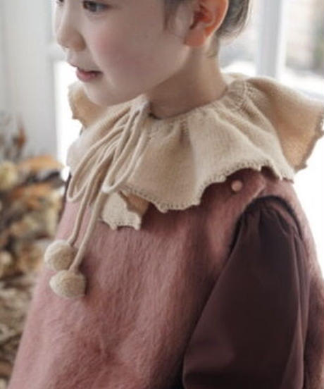 Ruffled cashmere collar