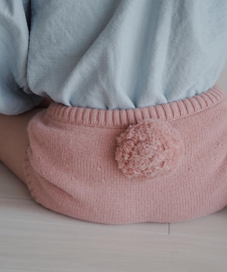 Knitted shorts pink with pompom