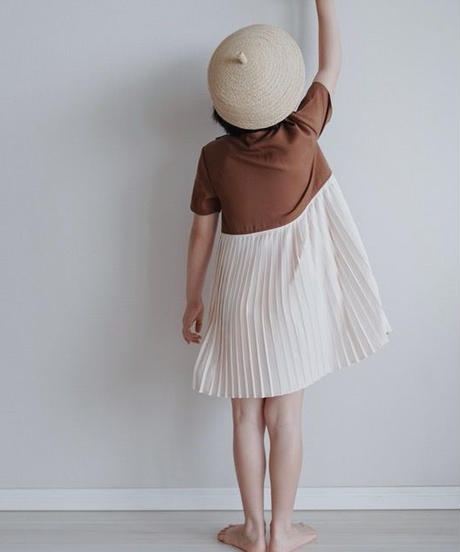 Pleated design dress(Brown)