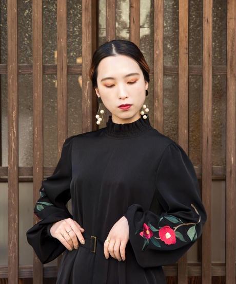 花を着るワンピース#03【赤椿】-black-