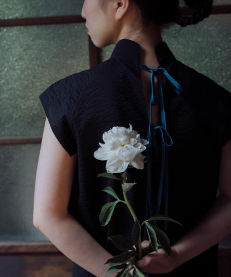 〈在庫販売〉花を着るブラウス【芍薬】-black-