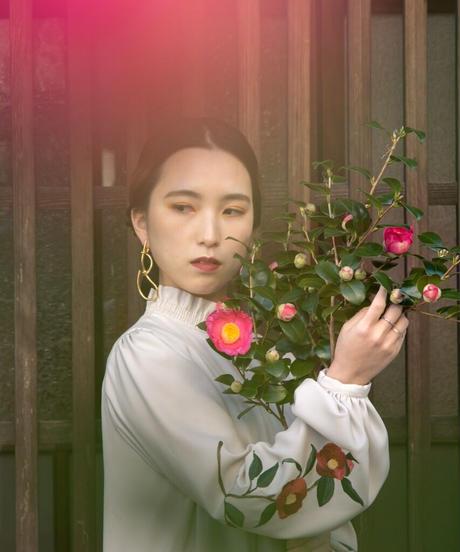 花を着るワンピース#03【赤椿】-lightgray-