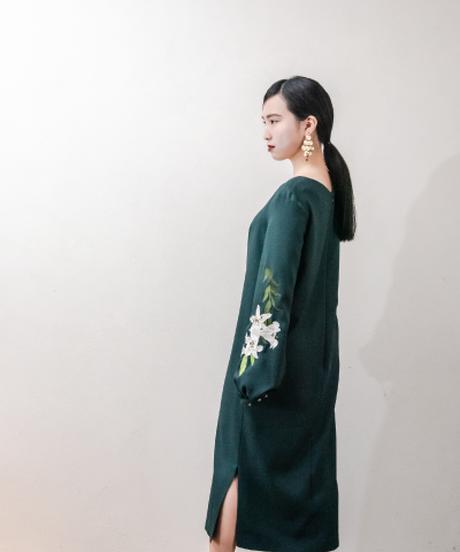 花を着るワンピース #01【Lily × GREEN】