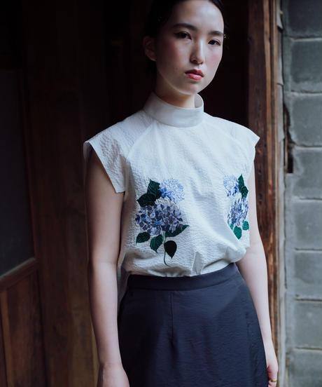 〈先行予約〉花を着るブラウス【紫陽花】-white-