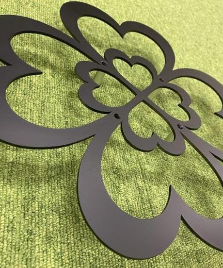 二重の四つ葉のクローバー壁飾り