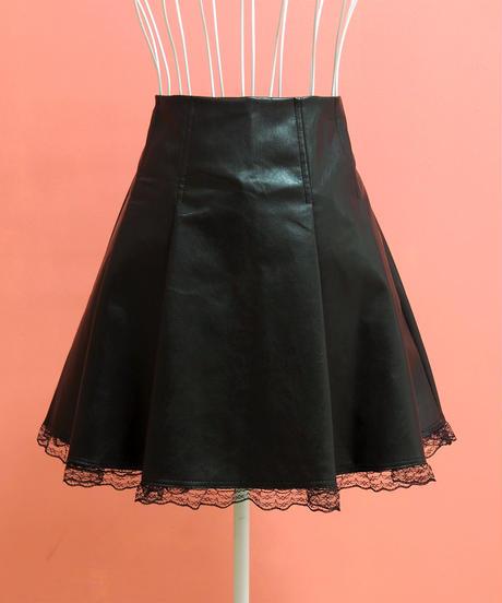 裾レースフェイクレザースカート