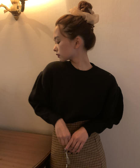 volume sleeve knit