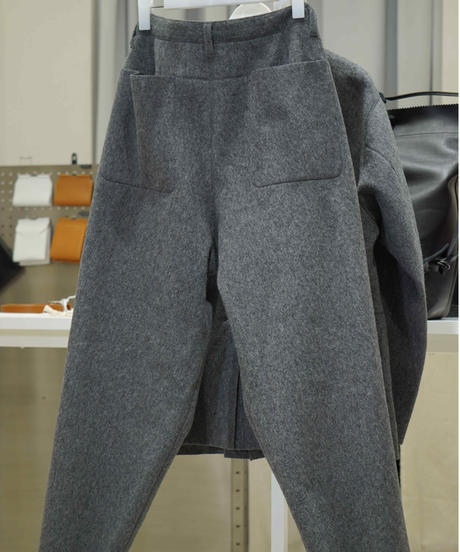 beta post flatseam pants