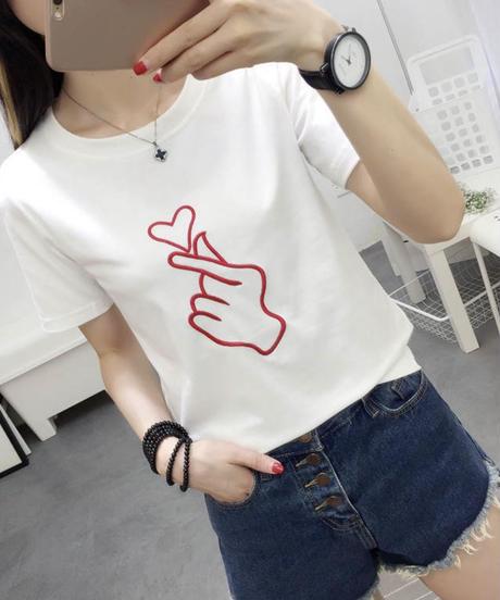 ゆびハートTシャツ