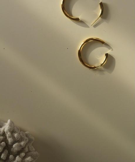 Simple hoop pierce