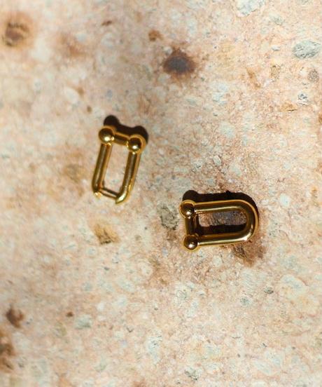 square gold pierce