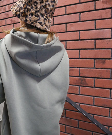 Smooth Hood Pullover