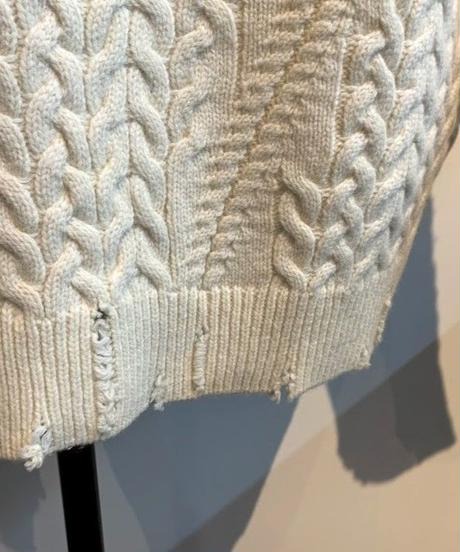 cable damage knit (off white)