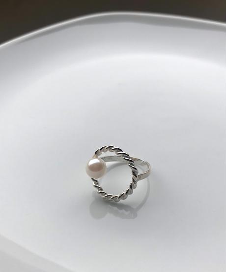 hHOME | HH-4 | circle akoya ring