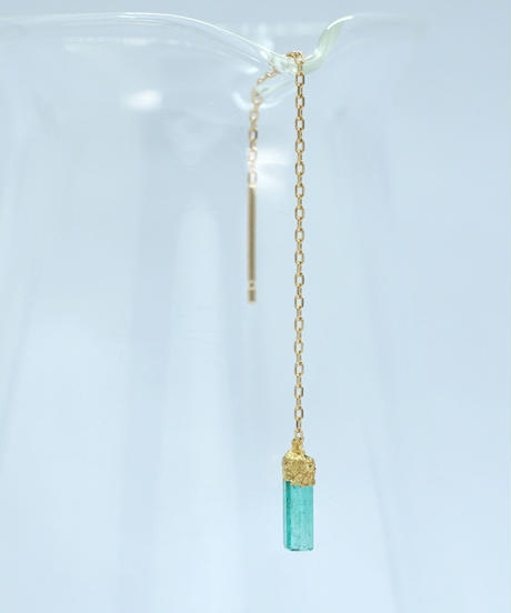 palmette | K18 金箔 エメラルド 8cmピアス