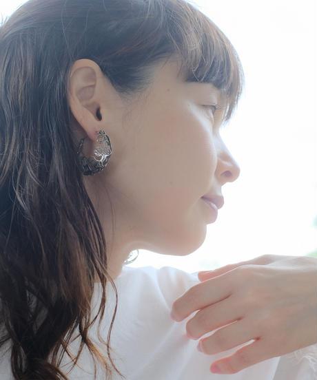atelierNEUF   suzuran pierced earrings