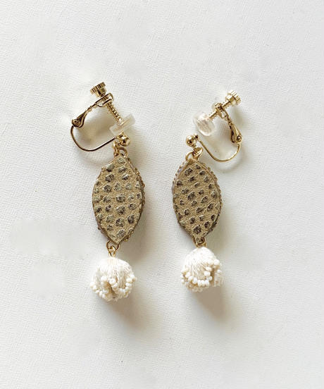 kaori shimomura | pierce or earrings Muguet