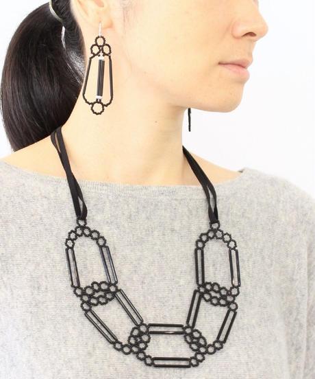 PENTA   Ellipse Necklace