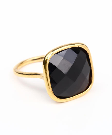 ColouR | Square stone ring