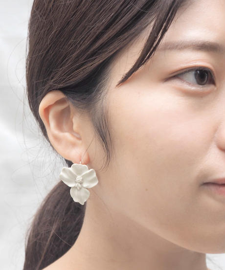 PLANT/PLANT | Orchid White Earrings