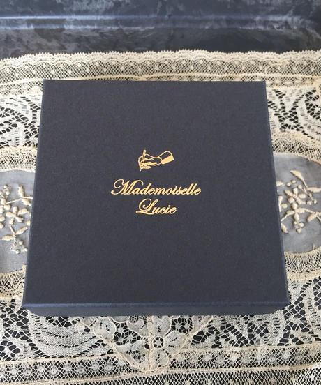 Mademoiselle Lucie | マーガレット