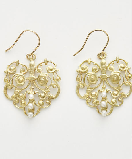 cherrybrown | pearl earring