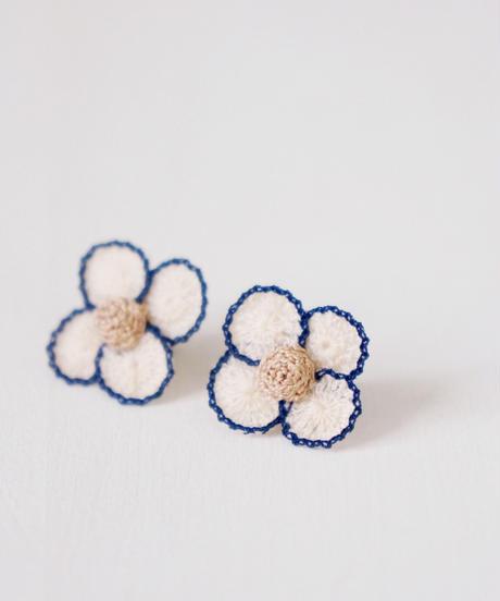 cotoyo matsue|Lace petal earring, pierce