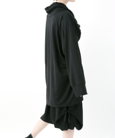《BLACK by -niitu-》Cross neck P/O (BLACK)