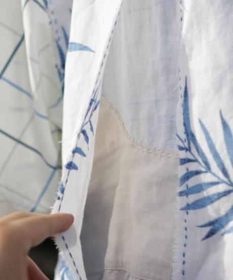 """""""花とシーグラス"""" Short-sleeved shirt with floral pattern and sea glass color., reconstructed from vintages"""