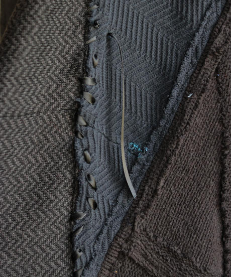 """""""計り知れない暗闇"""" unfathomable darkness over knit, reconstructed from black knit vintages"""
