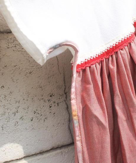 """""""レッドスマイルキス・ドレス"""" Red Smile Kiss Dress on the Room"""