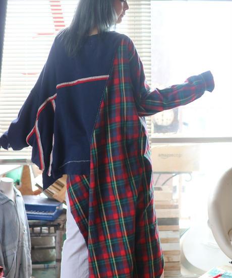 """""""遠ざかって揺れる愛"""" I love you by moving away pullover, rebuild by vintages"""