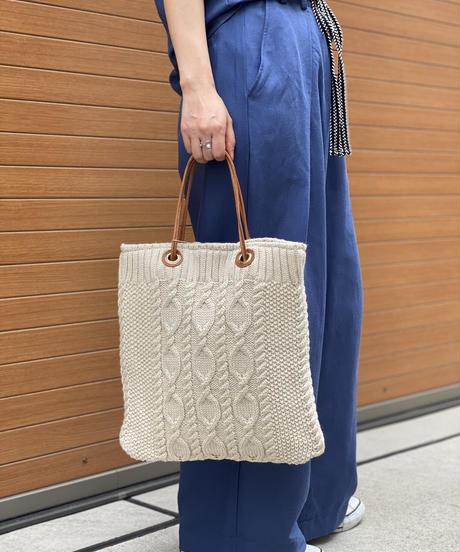 ケーブル編みトートバッグ